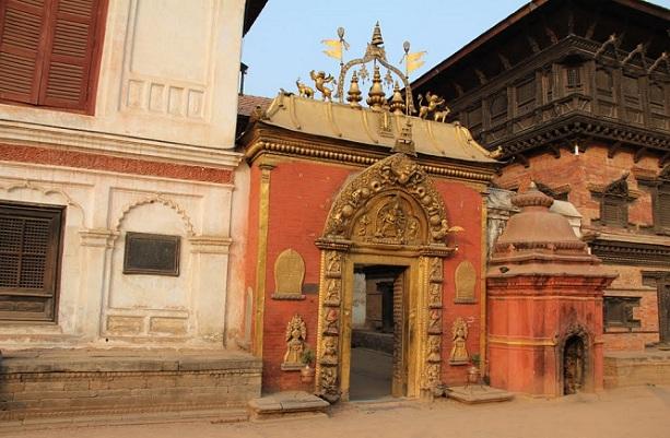 the-golden-gate_kathmandu-tourist-places