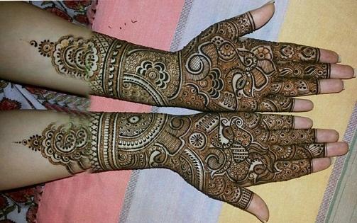 Peacock Inspired Marathi Mehndi Designs