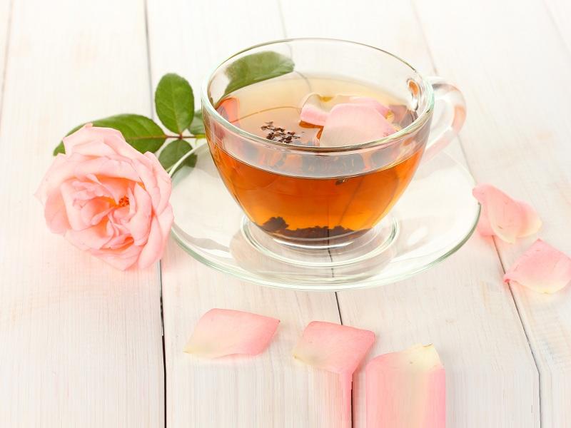 10 Best Rose Tea Benefits + Preparation, Dosage & Side Effects