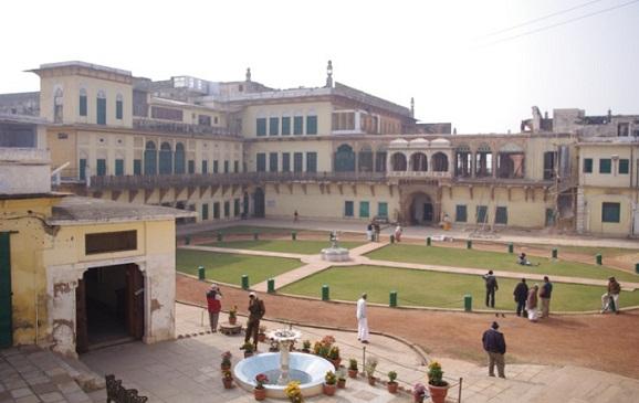 Varanasi Tourist Places to Visit-Ramnagar Museum