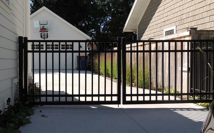 Double Aluminium Gate