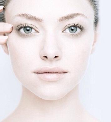 Amanda Seyfried without Makeup 6