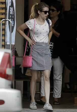 Emma Roberts without makeup 7
