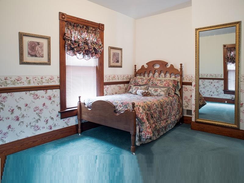 10 Simple & Best Antique Bed Designs Trending In India