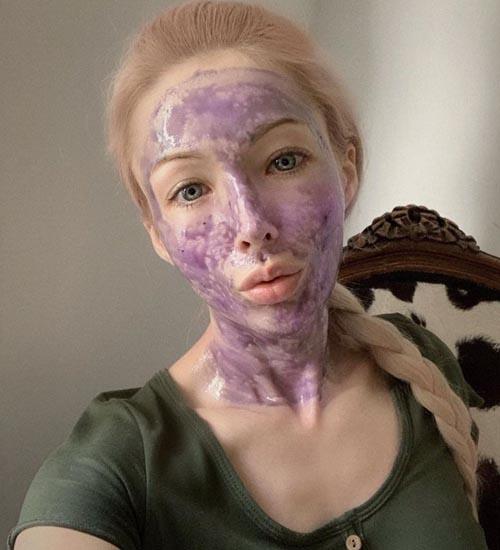 Valeria Lukyanova Without Makeup 9