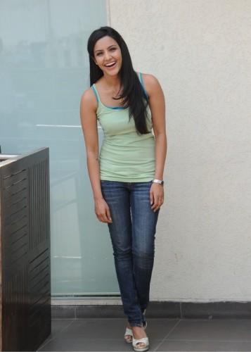 priya anand without makeup 3
