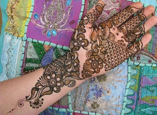Intricate Arabic Mehndi Design