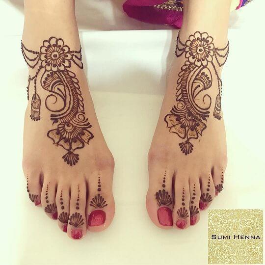 Modern Arabic Feet Design