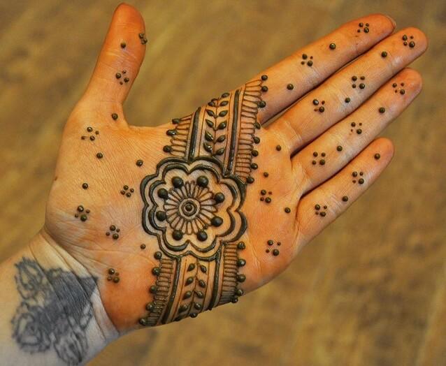 Simple Arabic Mehendi Design