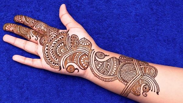 Indo- Arabic Mehndi Design