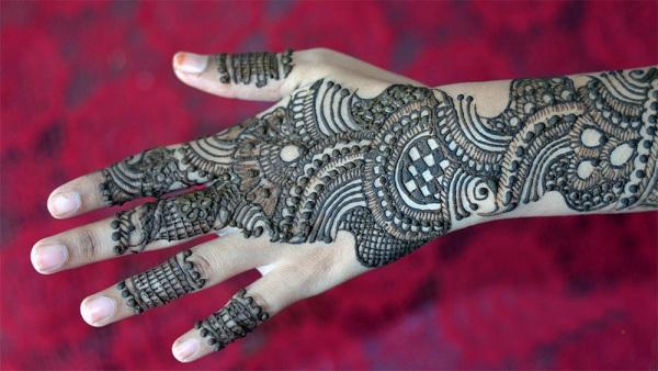 Full- Back Hand Arabic Mehndi Design