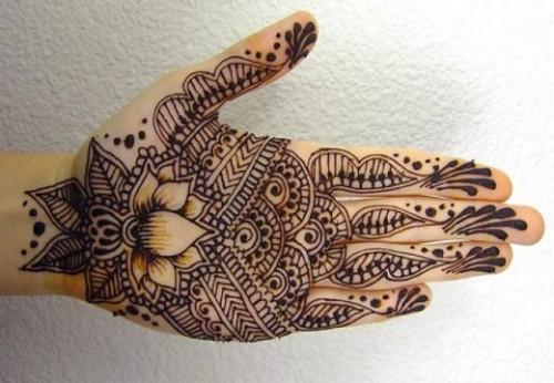 Lotus Easy Mehndi Design