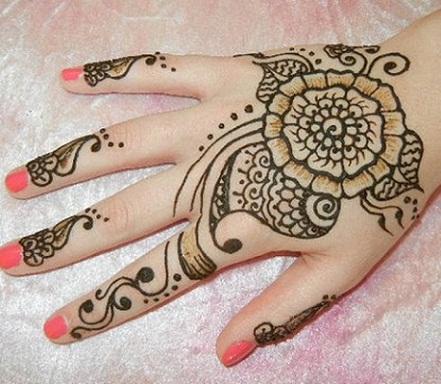 simple Flower Mehndi Design