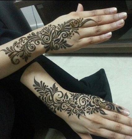 Flowers Mehndi Design