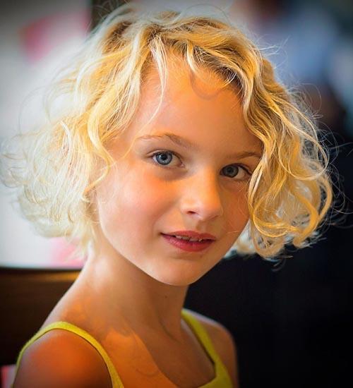 Short Hairstyles With Bang 4