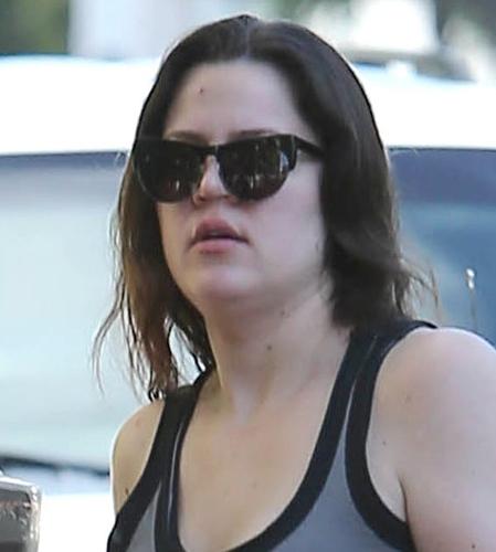 Khloe Kardashian without makeup 2