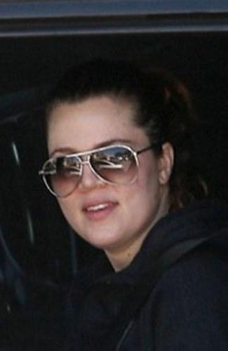 Khloe Kardashian without makeup 4
