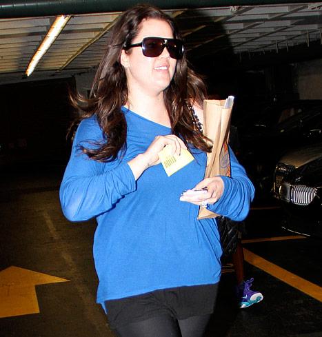 Khloe Kardashian without makeup 5