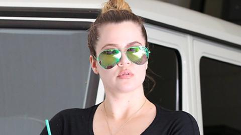Khloe Kardashian without makeup 9