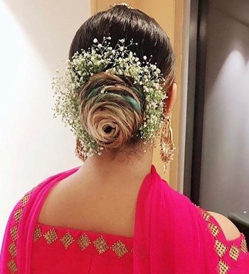 Gajra Hairstyles 8