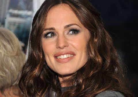 Jennifer-Garner-without-Makeup 3