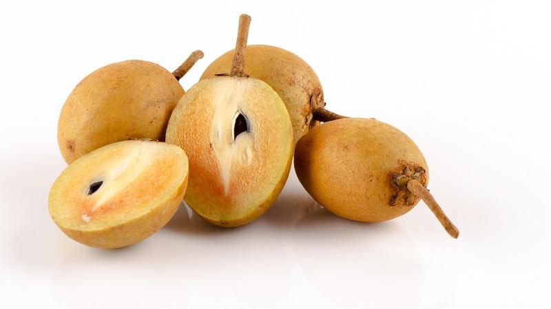 14 Best Sapota Fruit Benefits (Chikoo/Sapodilla) For Skin, Hair & Health