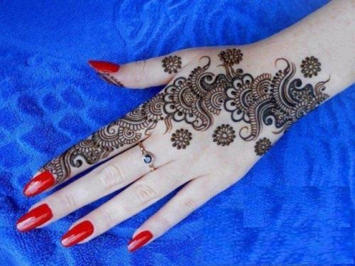 Beautiful Flower Mehndi Design