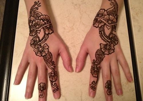 Flower Mehndi Designs for Hands