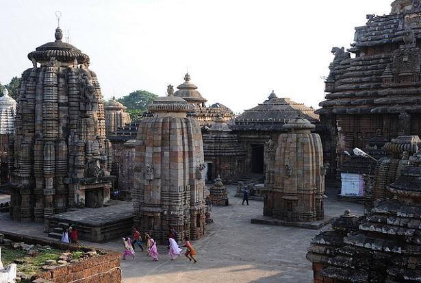 lingaraja-temple_orissa-tourist-places