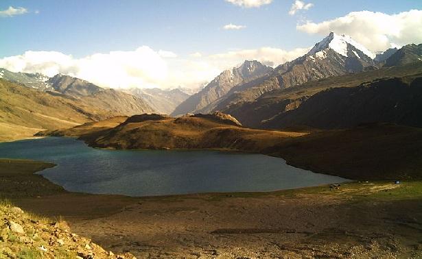 chandratal-lake_manali-tourist-places