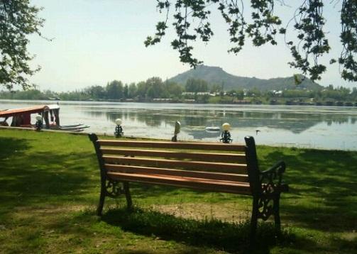 Srinagar Tourist Places to Visit-Nigeen Lake