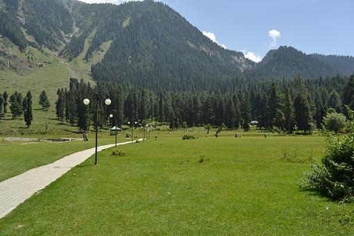 Srinagar Tourist Places to Visit-Betab Valley