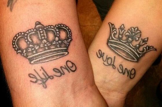 wrist bracelet tattoos with names