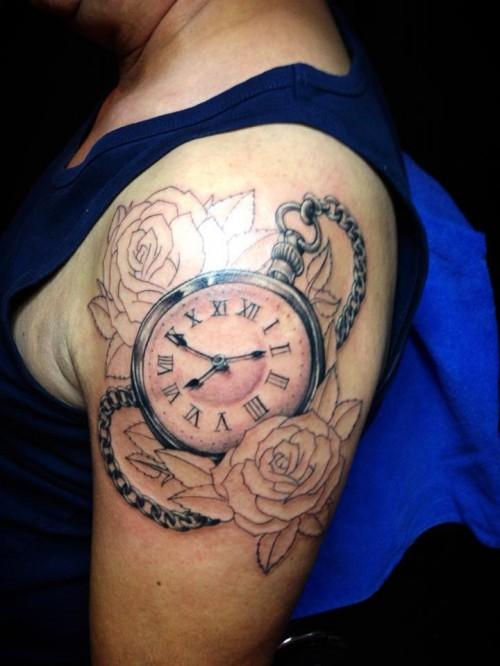15 Best Clock Tattoo Designs