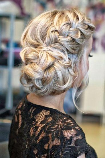 side bun hairstyle3