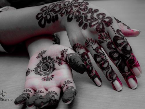 Deep color mehndi design