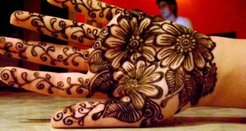 Modern floral mehndi design