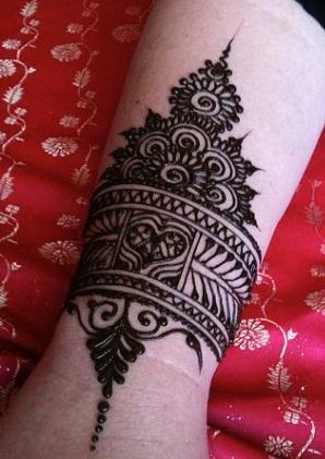 kada-type-bangle-mehndi-pattern-11
