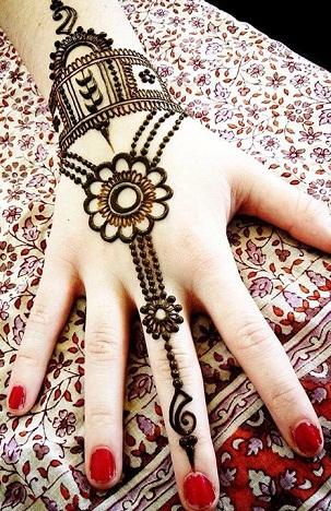gujarati-bangle-mehndi-design-15
