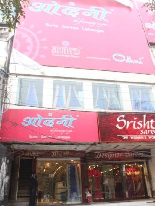boutiques-in-delhi-odhni