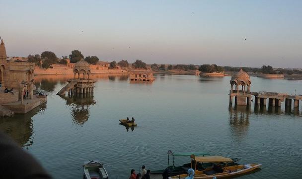 gadisar-lake_jaisalmer-tourist-places