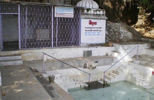 gaumukh-temple_mount-abu-tourist-places