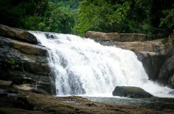 Thommanakuthu Waterfalls