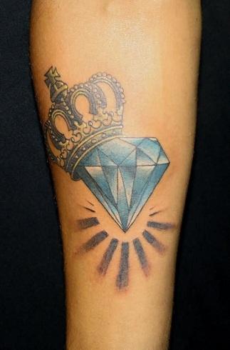 Marvellous Queen Tattoo Design