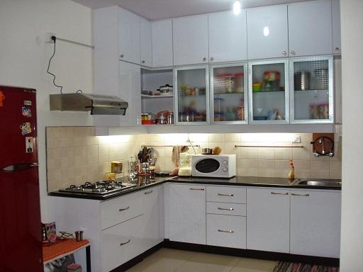 Small Closed L-shaped kitchen Design