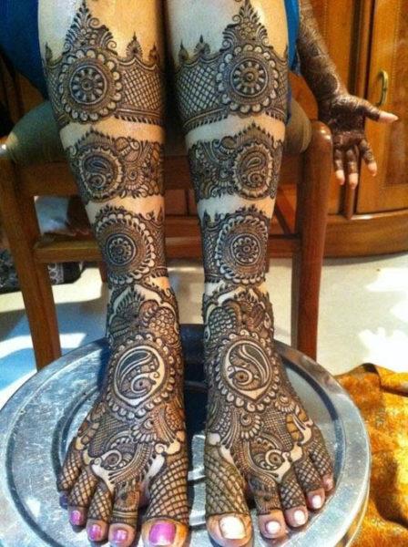 Bridal Mehndi Design for Legs