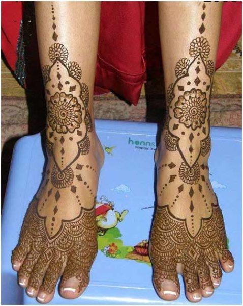 Beautiful Leg Mehndi Design