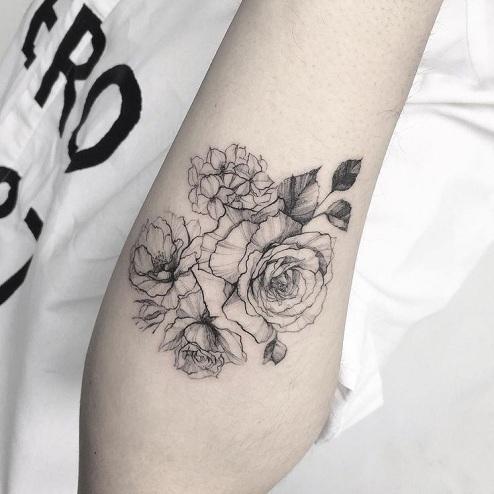 15 Stylish & Extraordinary Line Tattoos Design Ideas