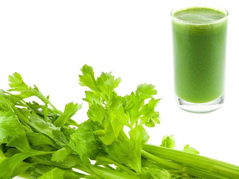 17 Best Celery Juice Benefits For Skin, Hair & Health