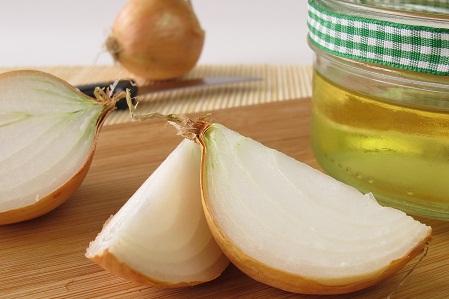 onion-juice-for-hair-fall-treatment